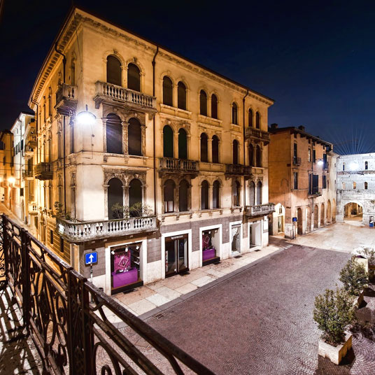 Palazzo victoria verona italy design hotel deals best for Design hotel verona