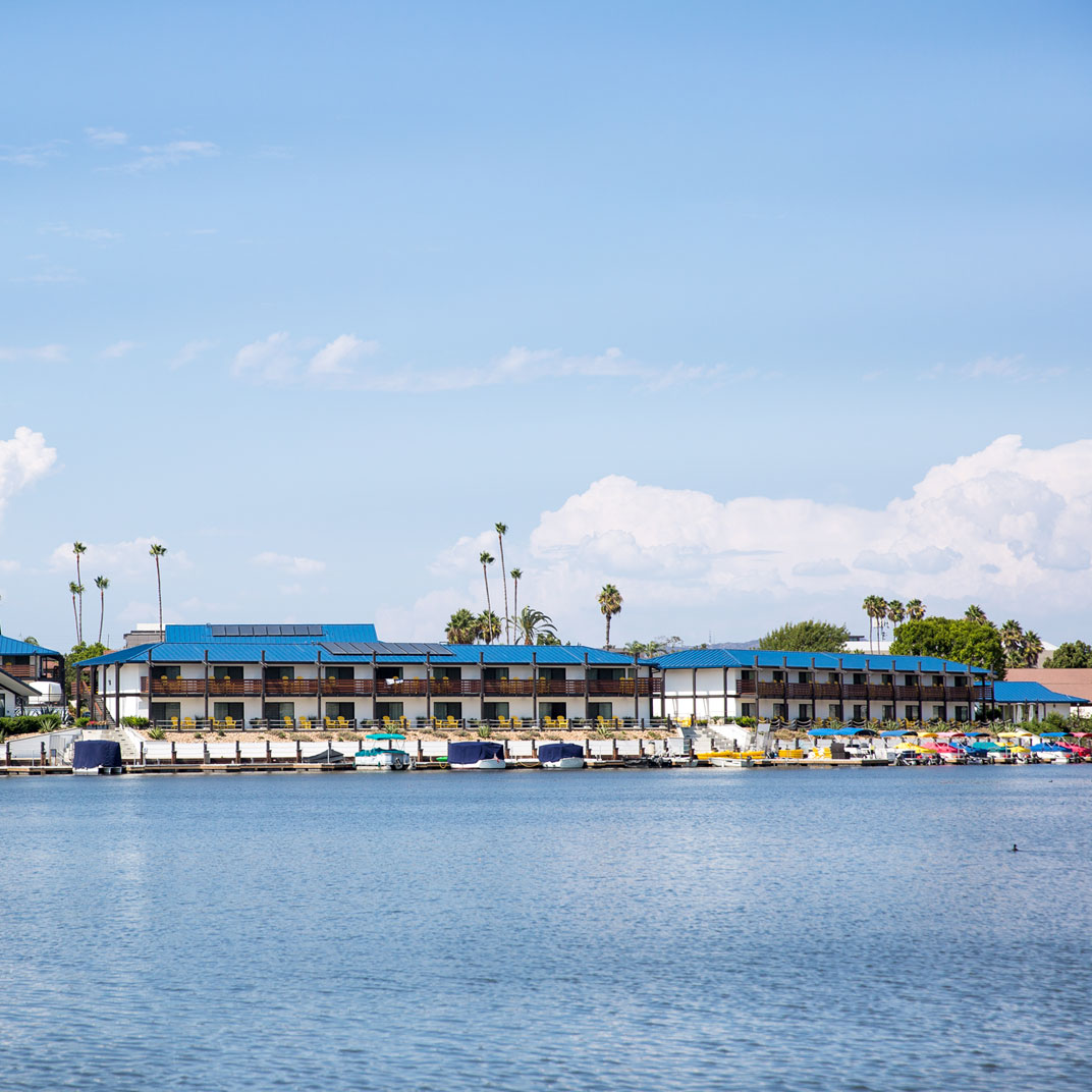 Lakehouse Hotel and Resort